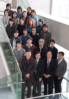 優秀な研究者を集め、学際・融合研究を推進し、医科研究の発展及び若手研究者の育成に寄与すること